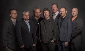 Back to Sardina album line-up (LtoR: Peter, Attila, Tamas, Steve, Gulli, Aron, Janos)